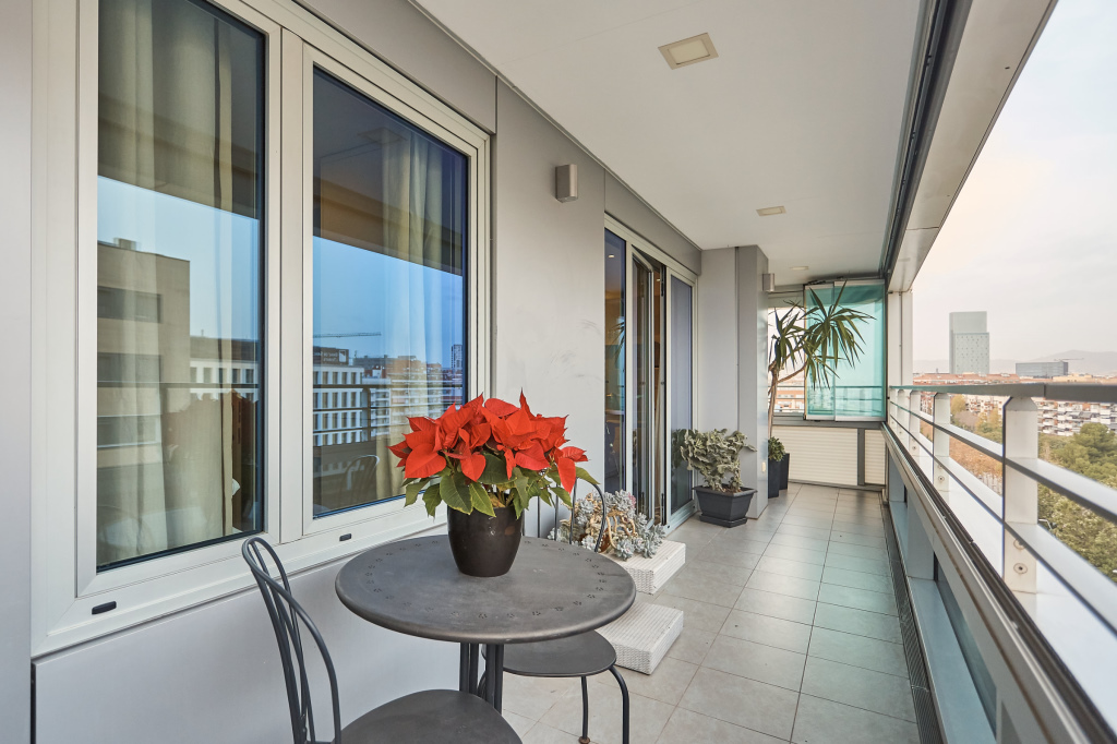 Apartment in Barcelona - diagonal mar. Sea first line, Terrace.3 bedrooms. For sale: 792.000 €.