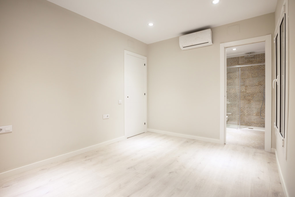 Apartment in Barcelona - eixample. 3 bedrooms. For sale: 386.000 €.