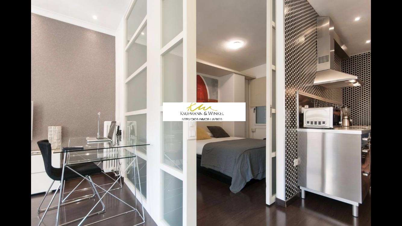 Apartment in Barcelona - eixample. Balcony.2 bedrooms. For sale: 410.000 €.