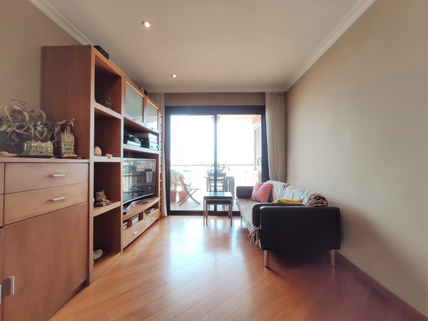 Apartment in Barcelona. Balcony.3 bedrooms. For sale: 290.000 €.