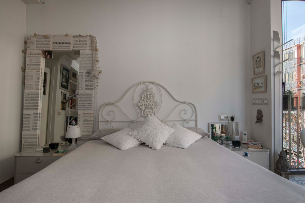 Apartment in Barcelona - eixample. 1 bedrooms. For sale: 459.000 €.