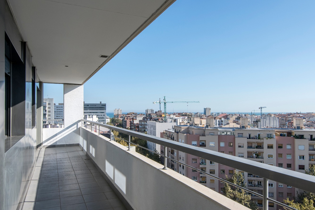 Apartment in Barcelona - diagonal mar. Balcony, Terrace.3 bedrooms. For sale: 585.000 €.