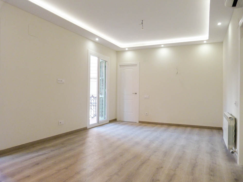 Apartment in Barcelona - zona alta. Balcony.3 bedrooms. For sale: 649.000 €.
