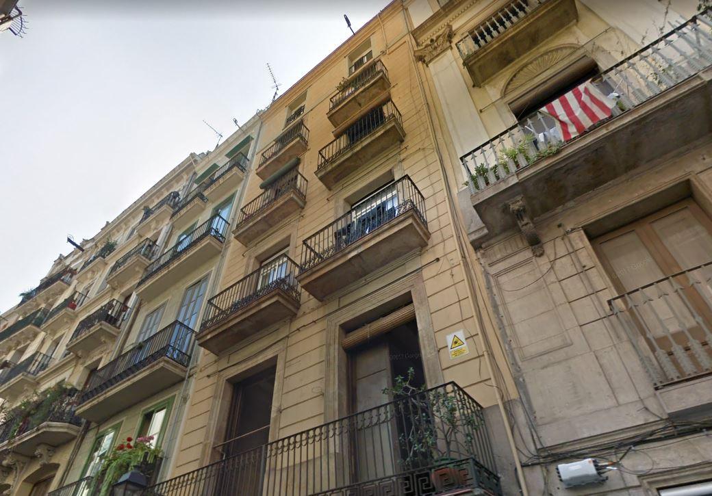 Apartment in Barcelona - ciutat vella. 2 bedrooms. For sale: 305.000 €.