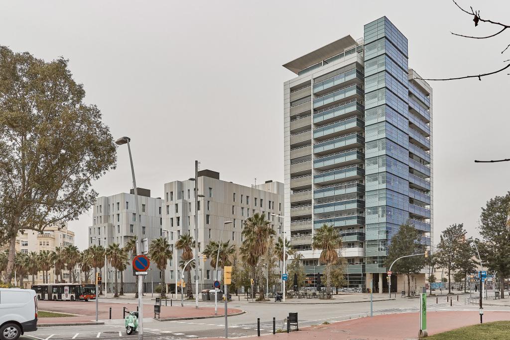 Piso en Barcelona - diagonal mar. Primera linea, Terraza.3 bedrooms. For sale: 792.000 €.