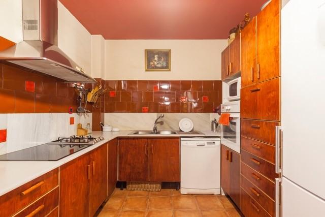 Apartment in Barcelona - ciutat vella. Balcony.4 bedrooms. For sale: 750.000 €.