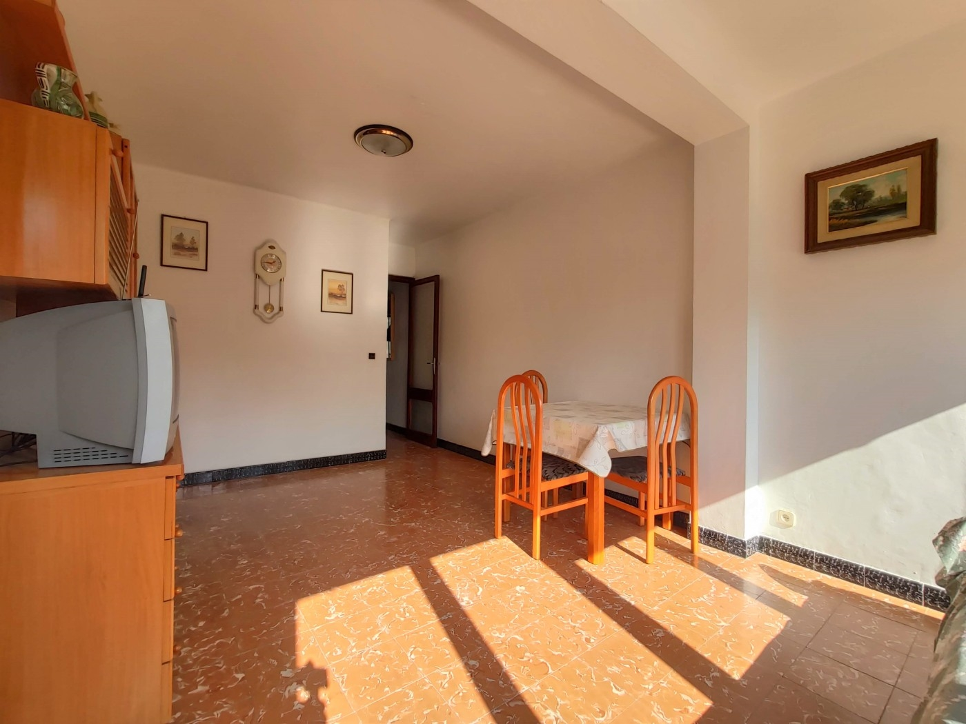 Apartment in Masquefa - barcelona surroundings. Private garden, Private parking, Balcony, Terrace.4 bedrooms. For sale: 170.000 €.