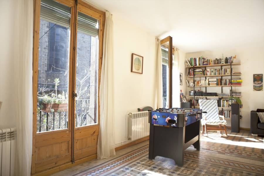 Apartment in Barcelona - ciutat vella. Balcony, Terrace.6 bedrooms. For sale: 700.000 €.