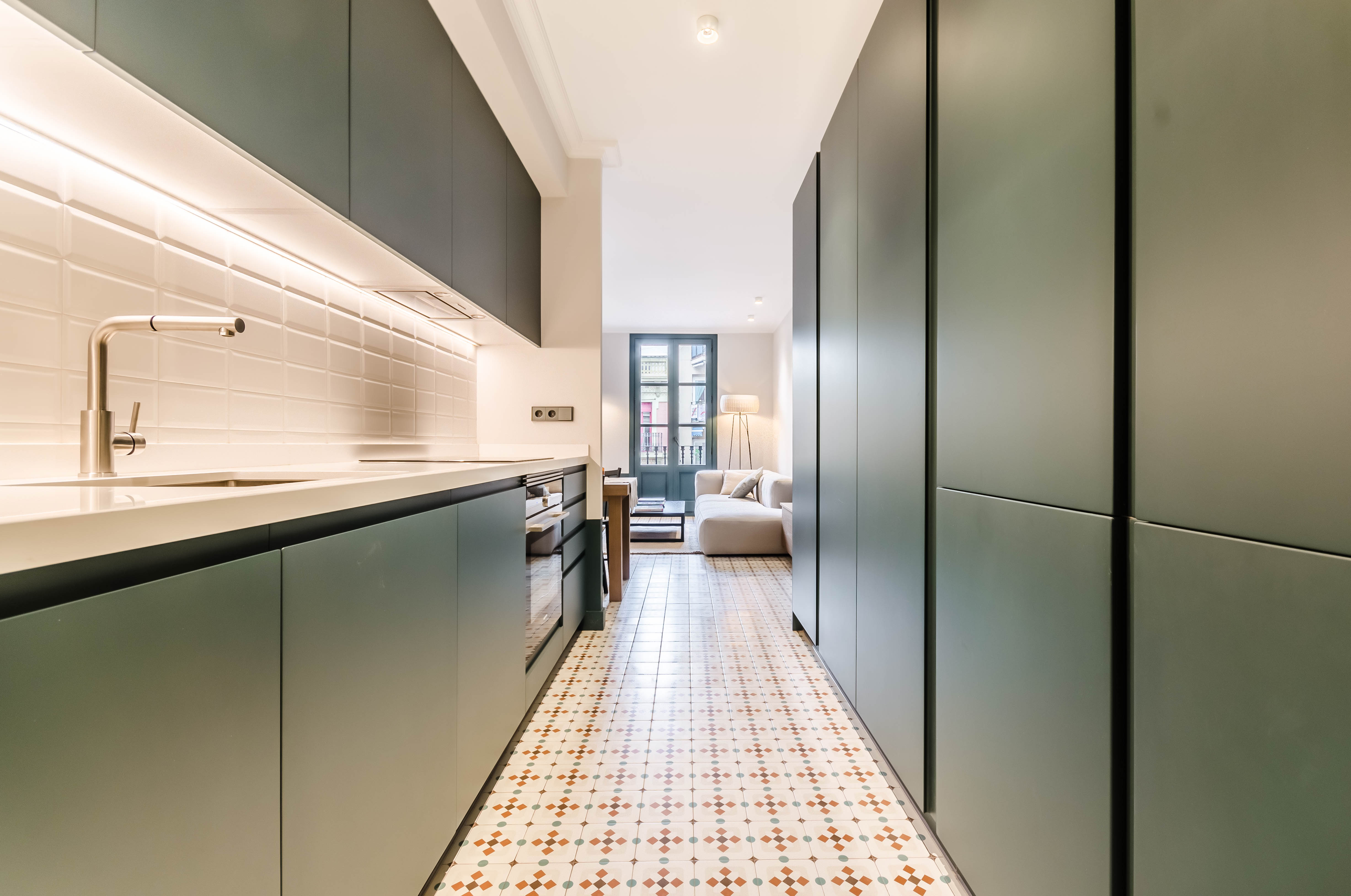 Apartment in Barcelona - eixample. Balcony.3 bedrooms. For sale: 435.000 €.