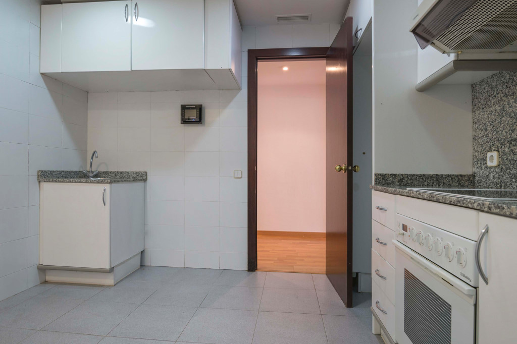 Apartment in Barcelona - eixample. Terrace.3 bedrooms. For sale: 770.000 €.