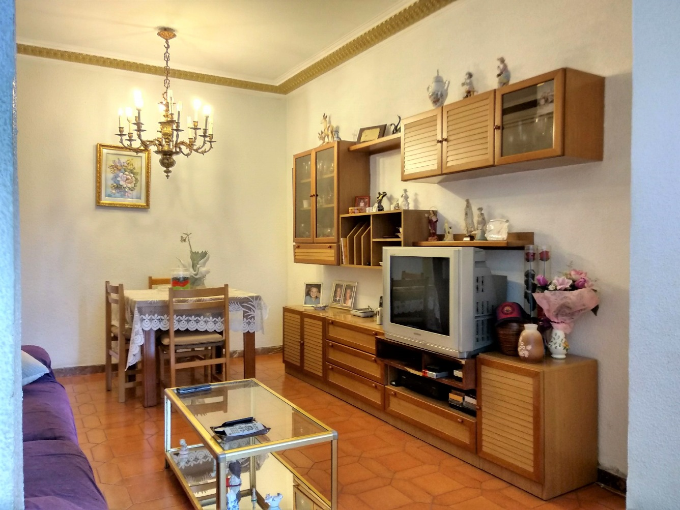 Apartment in Barcelona - eixample. 3 bedrooms. For sale: 330.000 €.