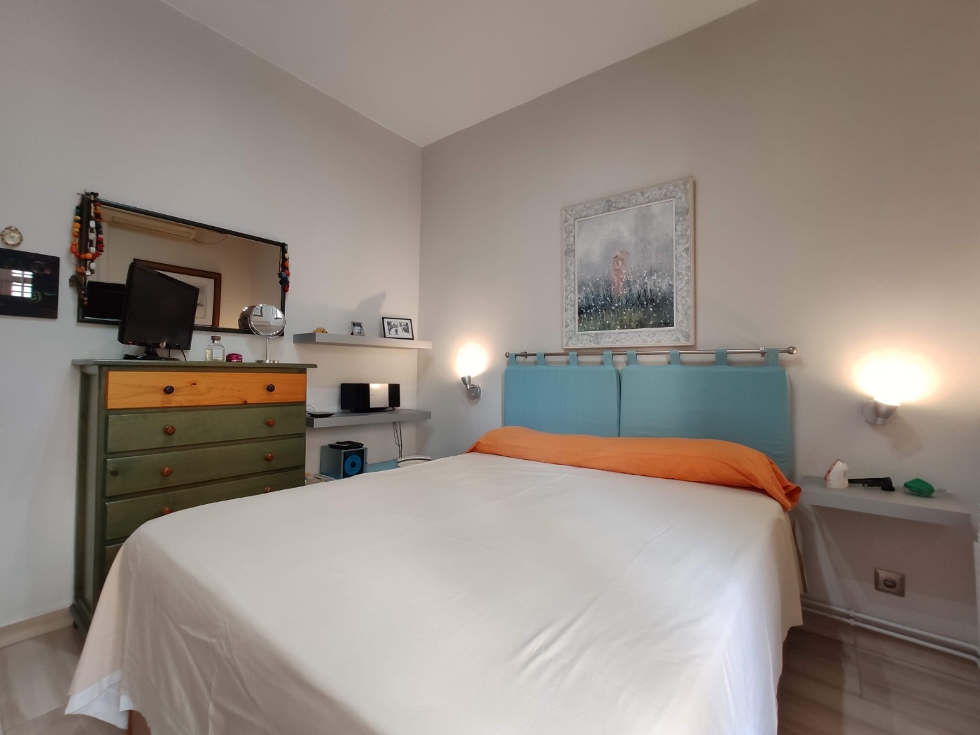 Apartment in Barcelona - eixample. Balcony.2 bedrooms. For sale: 285.000 €.