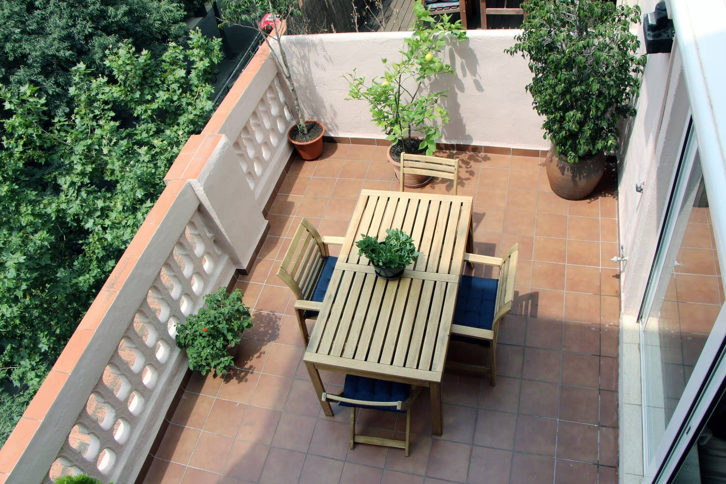 Apartment in Barcelona - eixample. Terrace.3 bedrooms. For sale: 500.000 €.