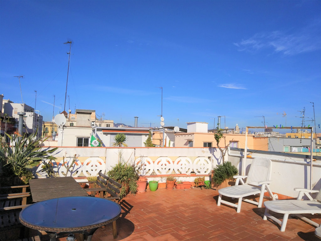 Apartment in Barcelona - ciutat vella. Balcony.3 bedrooms. For sale: 299.000 €.