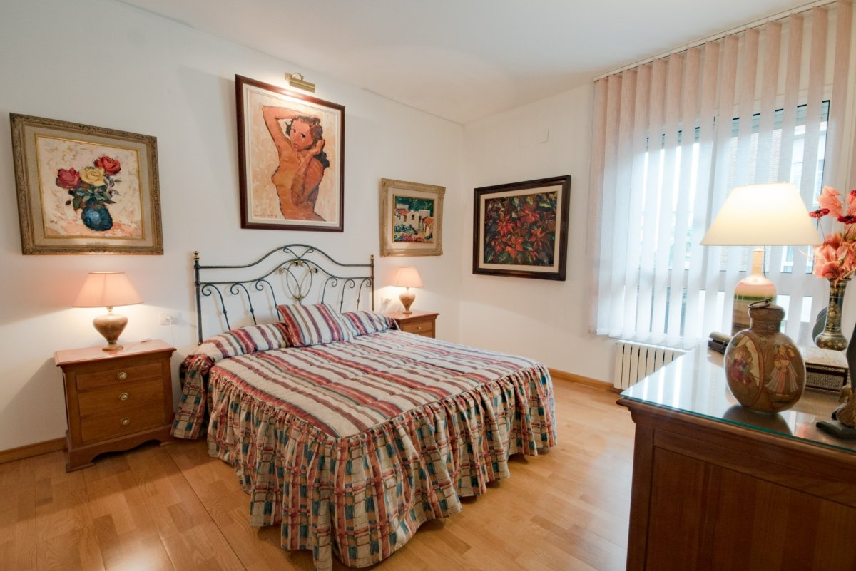 Apartment in Barcelona - vila olimpica. Near the sea, Private parking, Balcony, Terrace.4 bedrooms. For sale: 699.000 €.